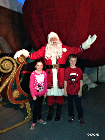 seaworld-polar-express-santa.jpg