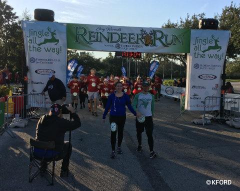 seaworld-reindeer-run-finish-line.jpg