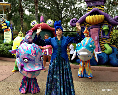 seaworld-spooktacular-fish-characters.jpg