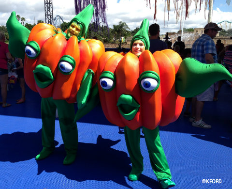 seaworld-spooktacular-pumpkin-people.jpg