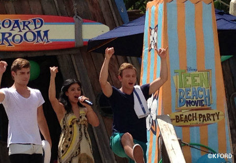 teen-beach-movie-party-stars-on-stage.jpg