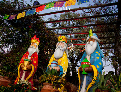 three-kings-day-disneyland-display.jpg