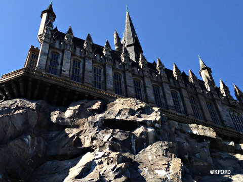 universal-harry-potter-side-hogwarts-castle.jpg