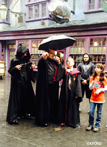 universal-orlando-harry-potter-diagon-alley-spells.jpg