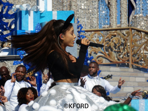 walt-disney-world-christmas-parade-taping-ariana-grande.jpg