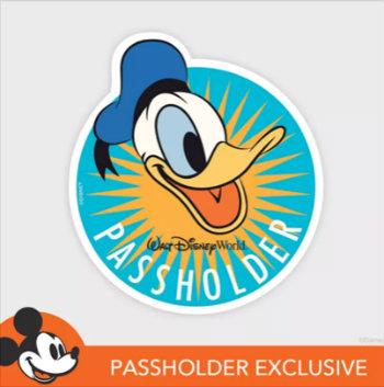 walt-disney-world-passholder-magnet-donald-duck.jpg