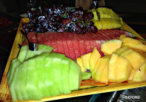 wishes-dessert-party-fruit.jpg