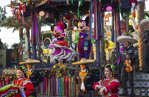 Three Kings Day at Disneyland Through January 6th