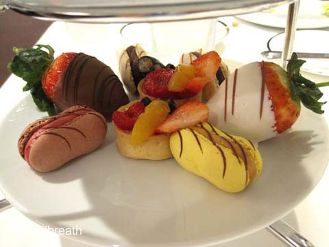 Disneyland Hotel Afternoon Tea desserts