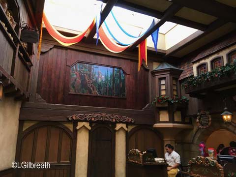 Disneyland Red Rose Taverne