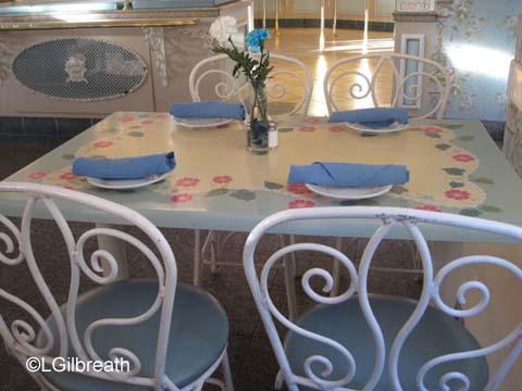 River Belle Terrace Table