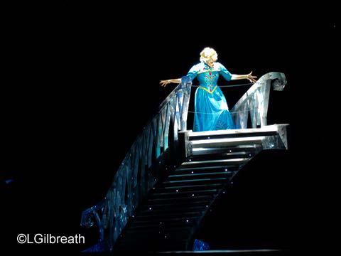 Frozen - Elsa on ice staircase