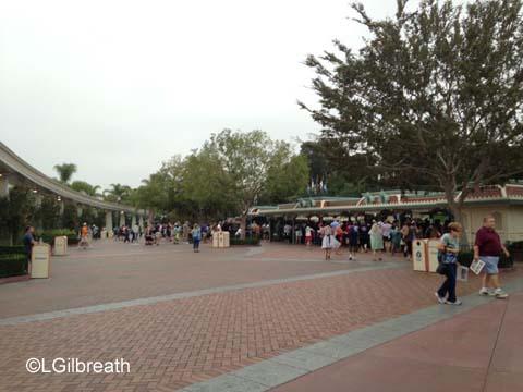 Disneyland 071715 entrance