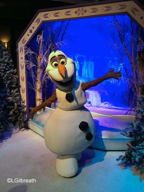 Frozen Pre-show Olaf meet and greet