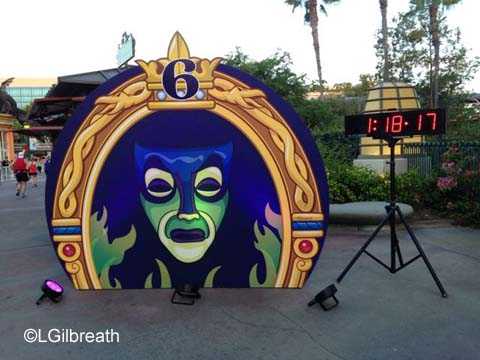 Disneyland 10K 6 mile sign