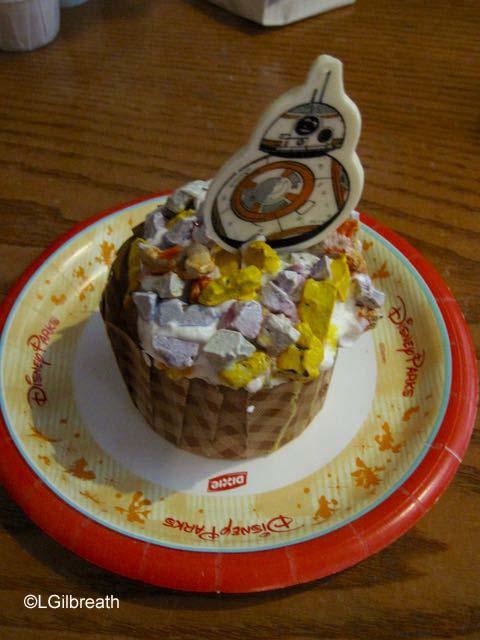 Backlot Express BB-8 Cupcake
