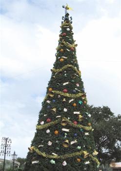 epcot_tree.jpg