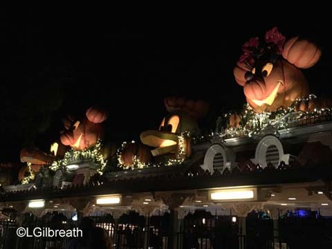 Disneyland Entrance pumpkins