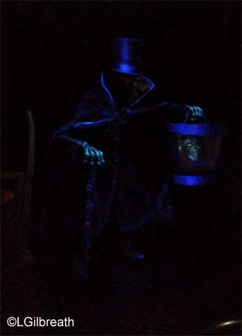 Haunted Mansion Hatbox Ghost
