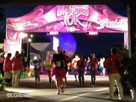 2016 Enchanted 10K finish line