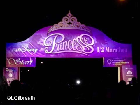 2016 Princess Half Marathon start line