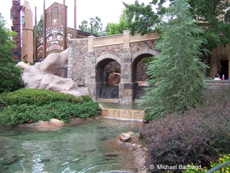 Looking up from the Le Cellier walkway
