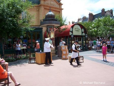 Serveur Amusant - street performers