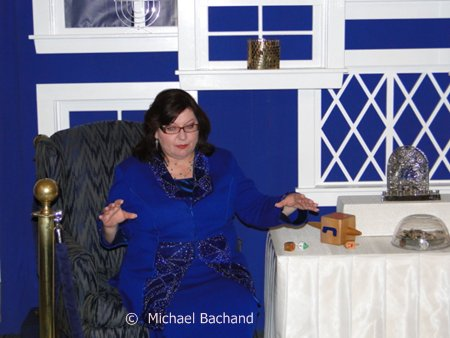 Chanukah storyteller