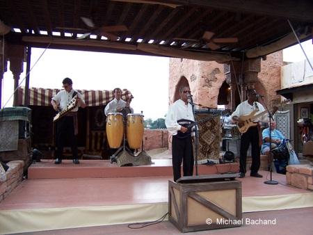 Mo'Rocking performing