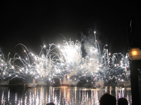 MF%2008%20Illuminations.jpg