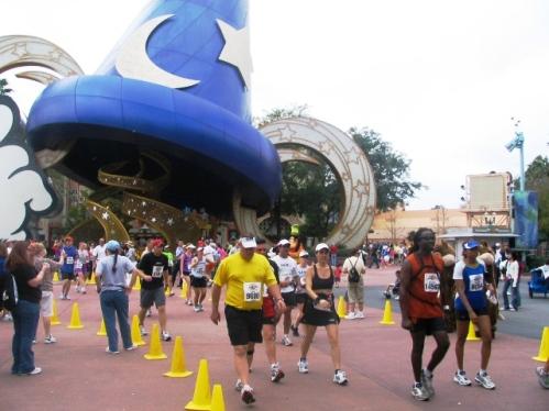Marathoners_at_Studos.jpg