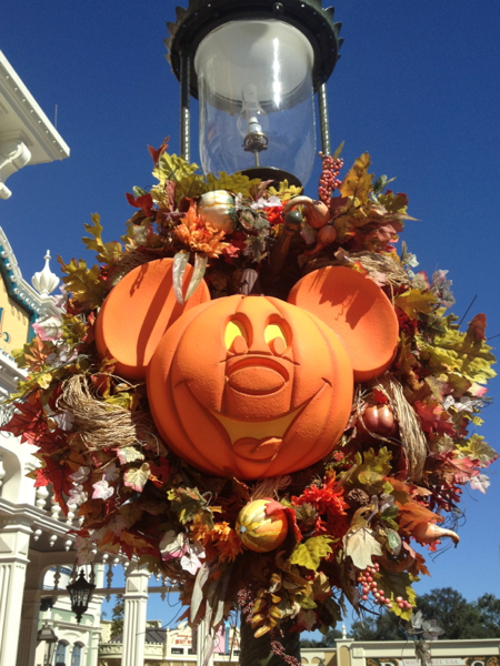 Mickey_Pumpkin1.jpg