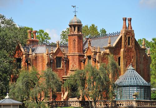Haunted_Mansion_at_Disneys_Magic_Kingdom.jpg