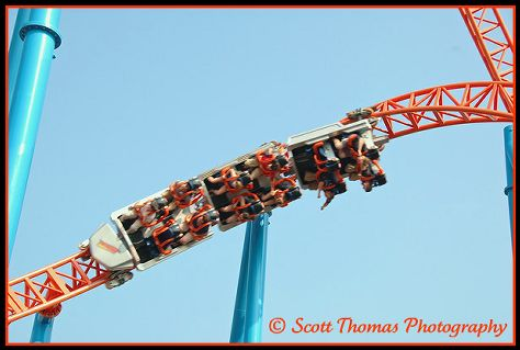 Fahrenheit threw in a few of these inversions to keep the heart pumping after the drop, Hersheypark, Hershey, Pennsylvania