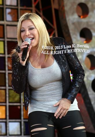 lkb-CelebrityConcert-TaylorDayne.jpg