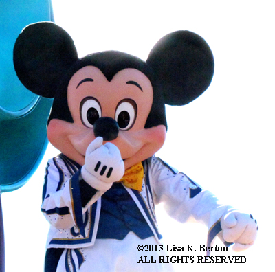 lkb-NewbieGeek-MK-MickeyParade.jpg