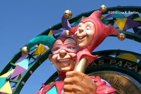 lkb-statue-jester.jpg