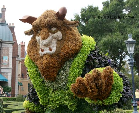 lkb-topiary-Beast.jpg