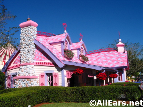 Minnie Mouse House in Toon Town