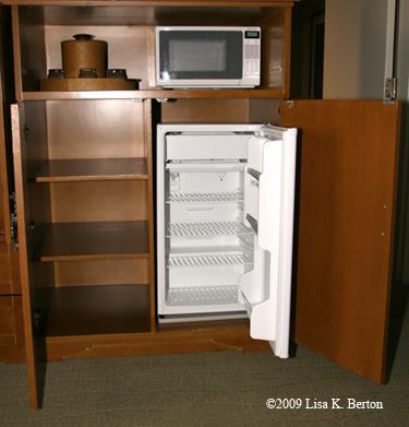 paradise_fridge_microwave.jpg