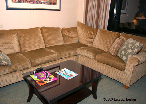 paradise_sofa.jpg