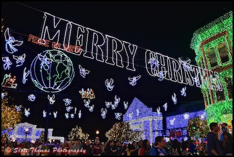 osborne family spectacle of dancing lights on the streets of america in disneys hollywood studios - Disney Christmas 2015