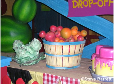 Judges Tent Hidden Mickeys in Toontown Fair