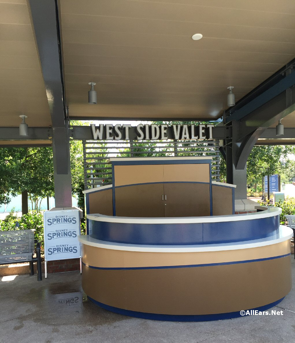 Disney Springs Town Center Valet Desk