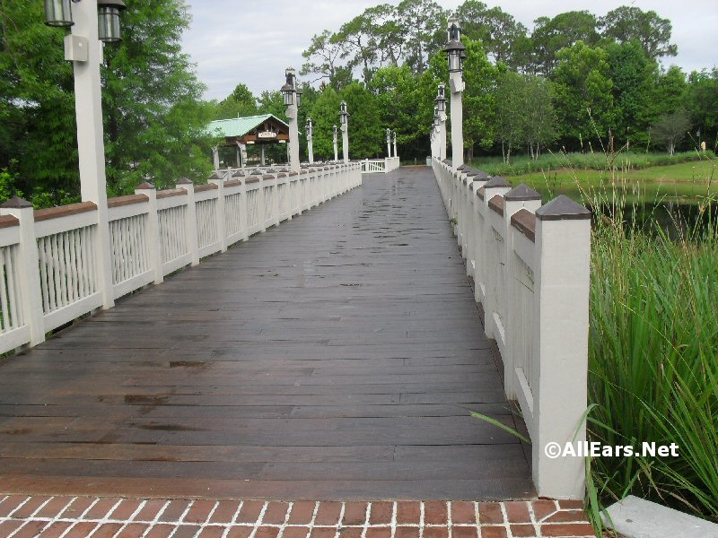 walkway-to-saratoga-springs