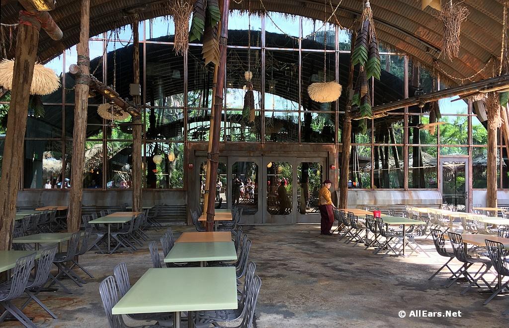 Satu'li Canteen Exterior Seating