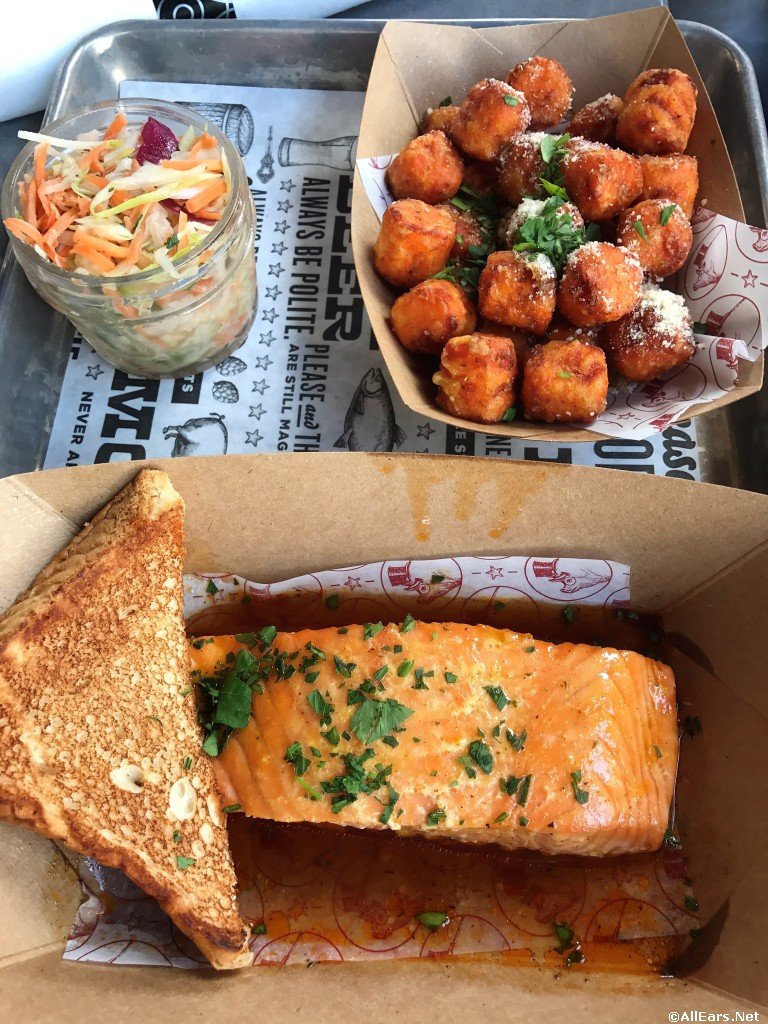 Wild Salmon Entree w/Texas Toast, Slaw and Choice of Side (Sweet Potato Tots shown)