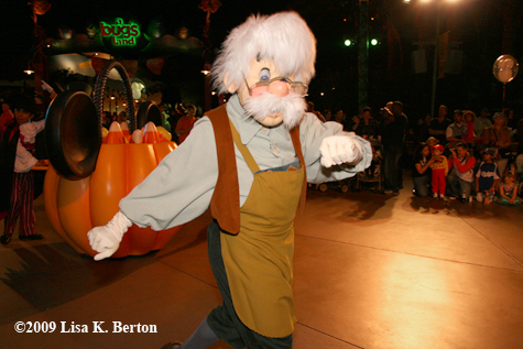 Guest Blog: Mickey's Trick-or-Treat Party