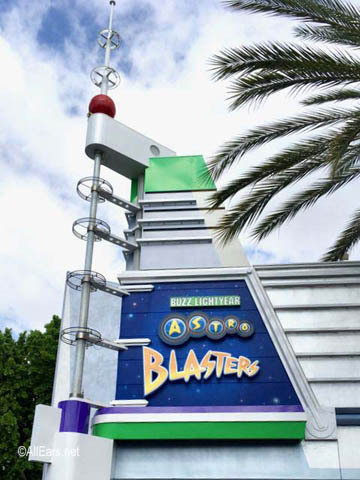 Buzz Lightyear Astro Blasters   Tomorrowland Disneyland Buzz Lightyear Entrance