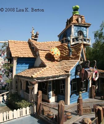 Goofy's Playhouse  ToonTown Disneyland Goofy's Playhouse